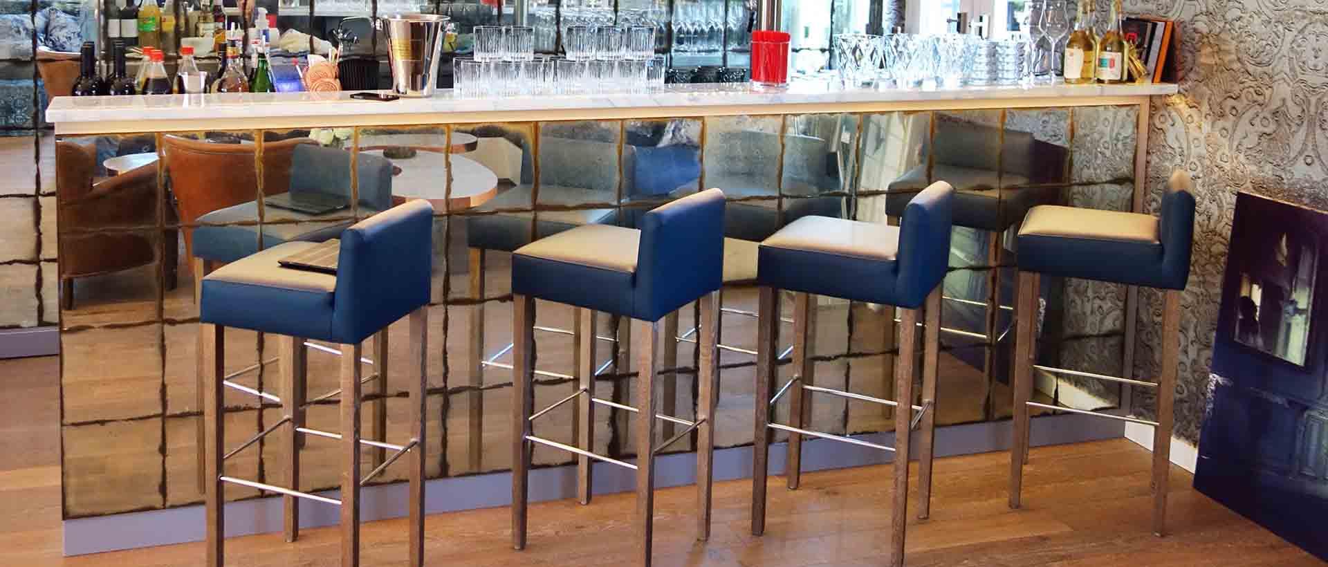 Die Bar im Kitchen Club des Waldschlösschen Dagobertshausen