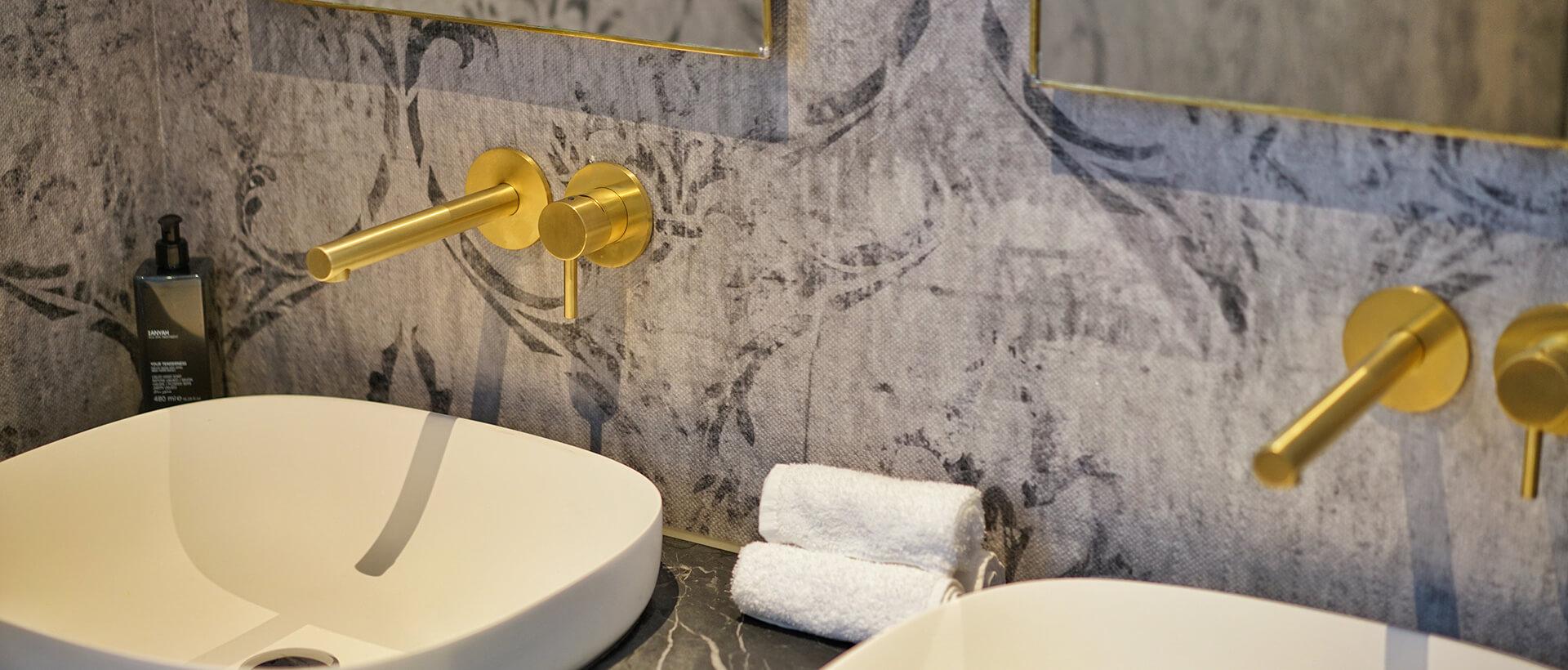 Bad im Haupthaus im Hotel VILA VITA Rosenpark