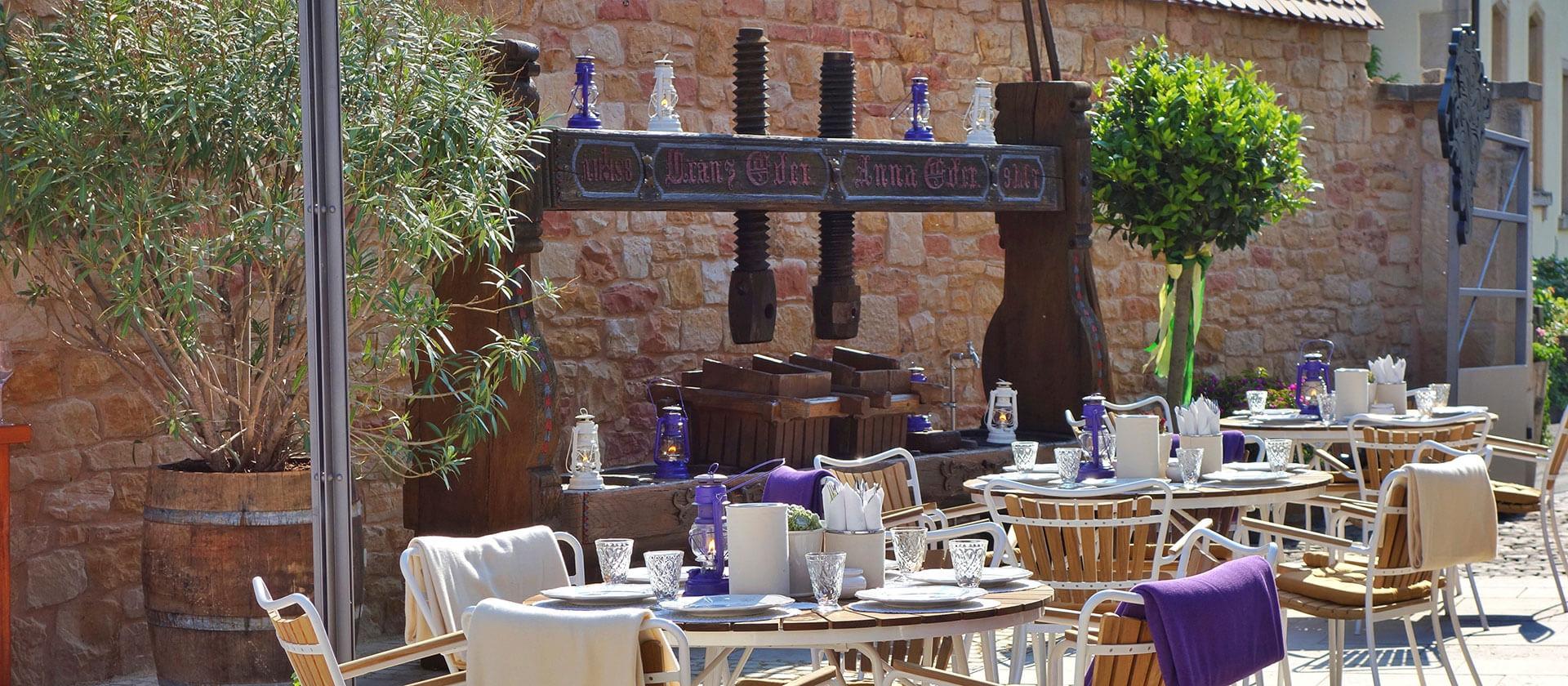 Die Terrasse des Weingut am Nil