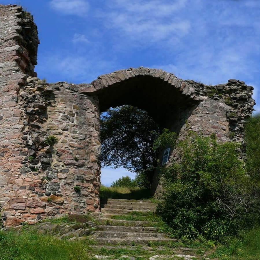 Die Burgruine Frauenberg, Credits Peter Voeth via Wikimedia