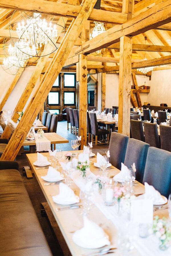 Hochzeitslocation Kulturscheune im Hofgut Dagobertshausen